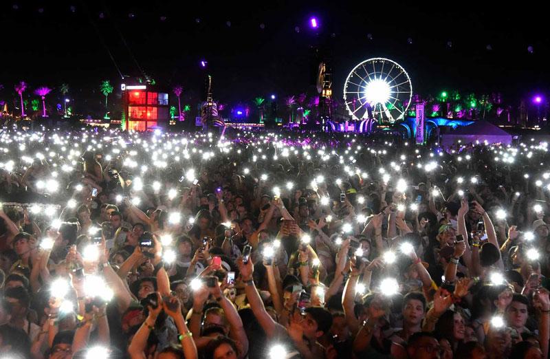Coachella-crowd-2-w