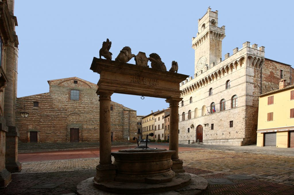 Immagine dal Web - Montepulciano Piazza Grande