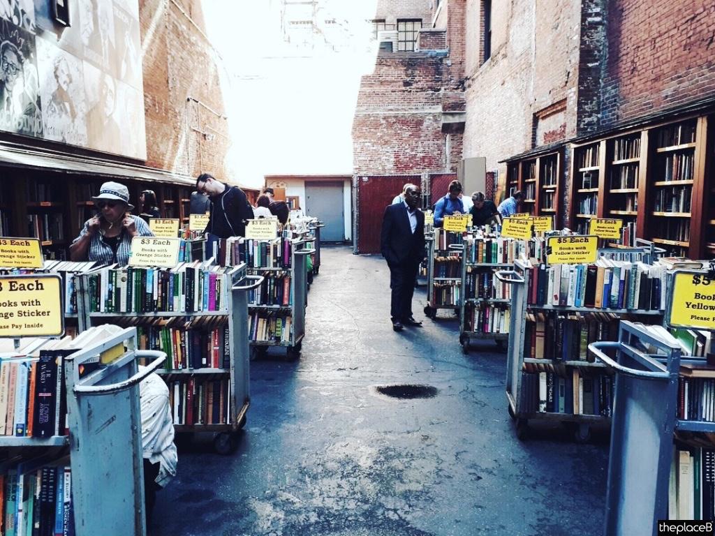 Boston to do list 5 luoghi da visitare Brattle book Shop