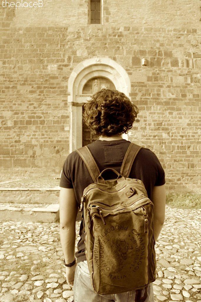 abbazia san giovanni in venere campomaggi backpack